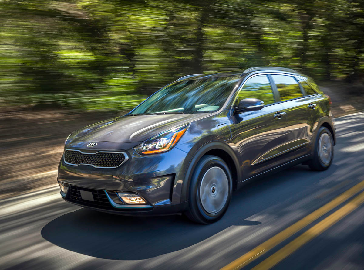 green suv of the year and the kia niro wins it. Black Bedroom Furniture Sets. Home Design Ideas