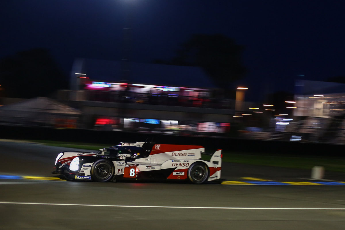 night racing action at le mans 2018. Black Bedroom Furniture Sets. Home Design Ideas